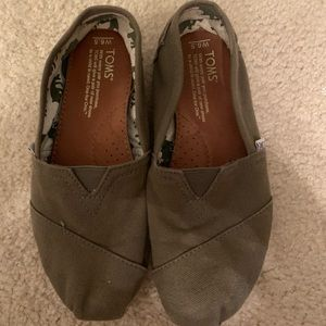 TOMS olive green shoes